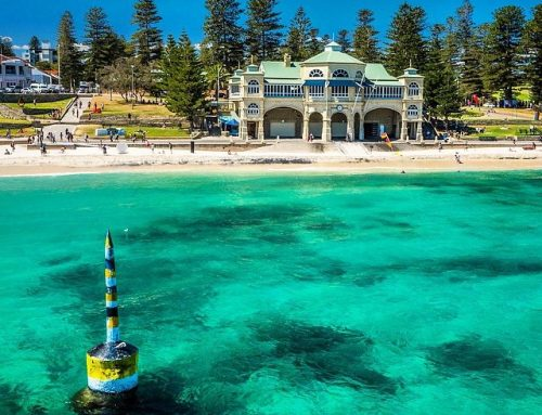 #cottesloe beach looking sensational on a #sunny day #perth #wa #westernaustralia #turquoise #inviting #sunscreen #protectionbeyondtheflags #spf50+